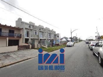 TRIPLEX FRENTE MAR ALTO PADRÃO EM SHANGRI-LA
