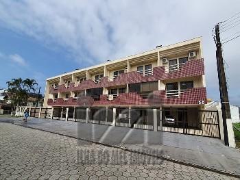 Tríplex com 3 quartos e piscina - Caioba