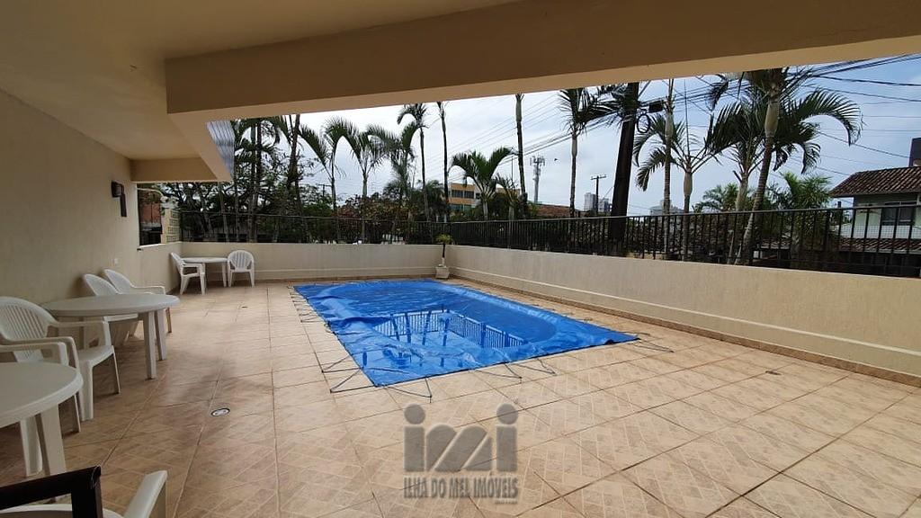 piscina e salão de fest