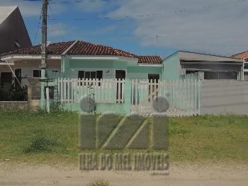 Casa em Pontal do sul com espaço de terreno