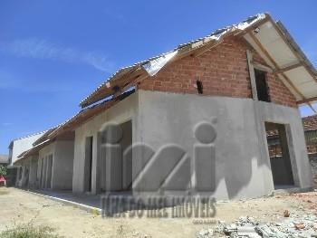 Casa nova a 250 metros do mar no Leblon