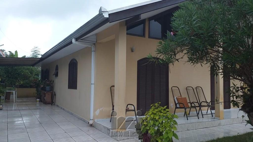Casa em paraia de leste (16).j
