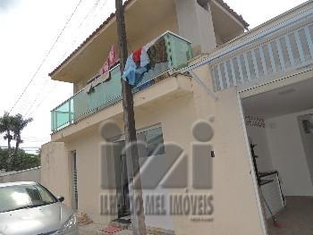 Casa e 2 apartamentos no centro de Matinhos