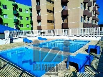 Apartamento com piscina e área de lazer Matinhos