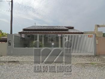 Casa com 2 dormitórios em Matinhos Paraná