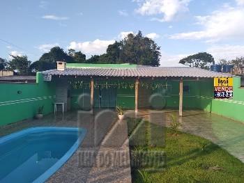 Casa com 4 dormitórios com piscina em Matinhos