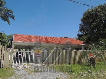 Residência com 4 quartos e piscina Pontal do Sul