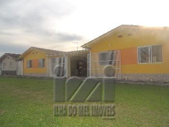 Duas casas integrada 4 quartos em condomínio