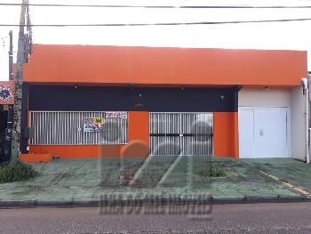 Salão comercial com residência em Guaratuba