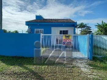 Casa à 450m do Mar em Pontal do Sul