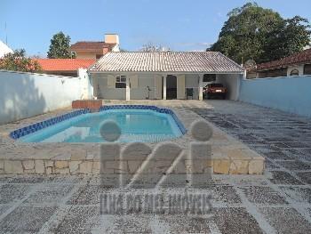 Casa com 3 quartos piscina em Pontal do Sul