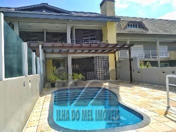 Sobrado com piscina financiável Atami sul