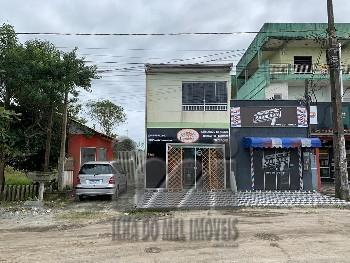 Imóvel comercial e residencial frente à rodovia