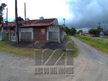 Casa de esquina em Shangri-lá Pontal do Paraná