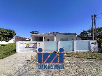 Casa alto padrão 1 quadra da praia Bal Nereirdas