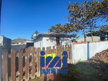 Casa de Alvenaria 04 dormitórios em Guaratuba