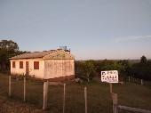 Chácara 3º distrito com casa em alvenaria.